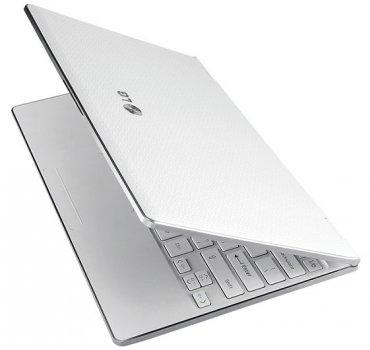 Ноутбук белого цвета фото